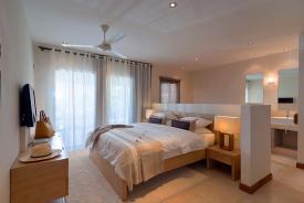 slaapkamer bij bon azur elegant resort tweede slaapkamer twee ...